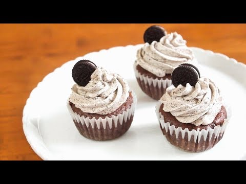 Oreo Cupcakes | SweetTreats