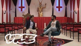Mengunjungi Kuil Setan Lucifer di Kolombia