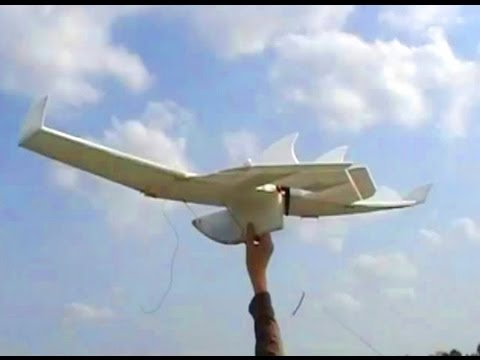 Maiden Flight: RC Flying Wing made of Depron Foam
