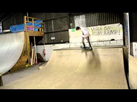 Boneyard Skatepark Mini Half Pipe Edit
