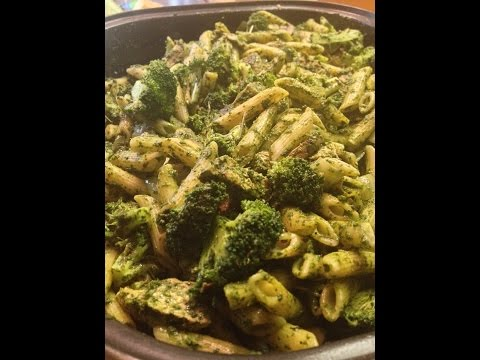 Pesto Penne Pasta with Chick'n | Meatless Monday Week 43