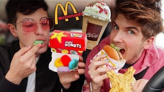 Letting The Person In Front Of Me Decide What I Eat!  (Fast Food)