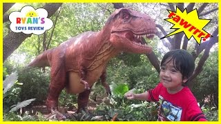 GIANT LIFE SIZE DINOSAUR Theme Park at the Zoo!