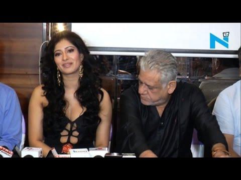 Actress exposes underboob, Om Puri stares