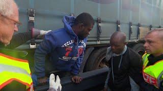 Unterm Güterzug über den Brenner: Die neue Flüchtlingsroute