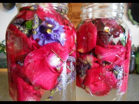 How to Make Floral Vinegar
