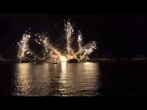 Epcot IllumiNations - Full Show (View from Italy Pavilion)