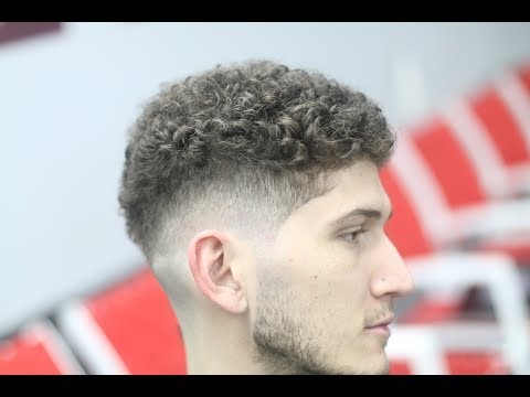Blurry Contoured Fade Tutorial with Curly Hair!