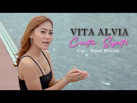 Download Lagu Vita Alvia Cinta Sejati Mp3