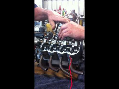 Homemade V8 Model Engine.MOV