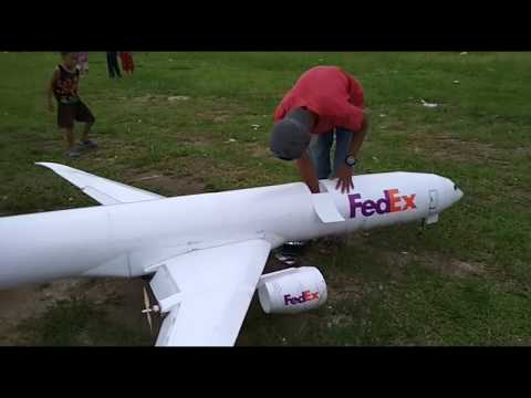 Largest rc plane Boeing pusher prop