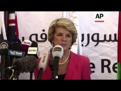 Australian FM visits registration centre for Syrian refugees