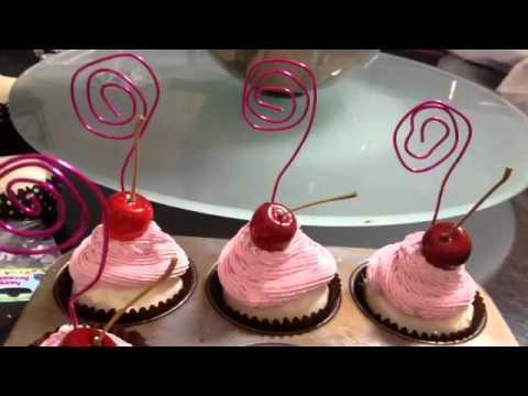 MAC Makeup Faux Cupcake pic holders