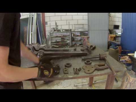 Restoring a Blacksmith Vise of more than 100 years old (Part 1/2)