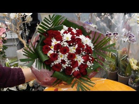 Making Round Hand Tied  Presentation Bouquet