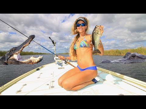 INFESTED with ALLIGATORS Florida Swamp Freshwater Bass Fishing