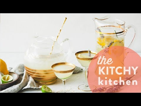 Boozy Adult Limeade + Lemonade // The Kitchy Kitchen