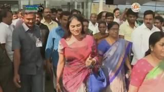 YS Vijayamma & YS Sharmila receives Grand Welcome at Gannavaram Airport - 19th Feb 2017
