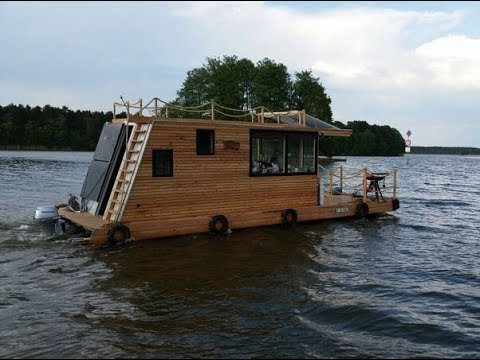 How to build a small houseboat -