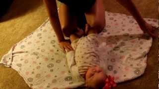 One Minute Mom How To Swaddle A Baby Super Swaddle To Help Babies Sle
