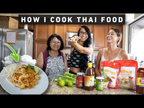 Cooking with My Thai Family | Low Calorie and Simple Pad Thai