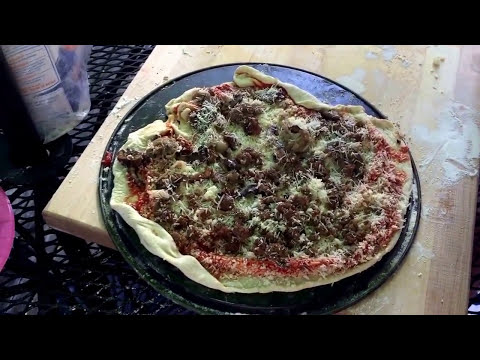 How to Cook Pizza on the Big Green Egg