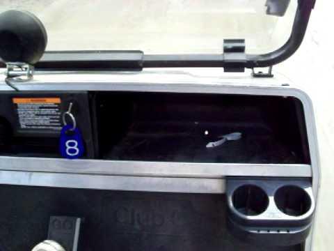A Bad Wheel Bearing 2000 Club Car Golf Car 5-22-10.MOV