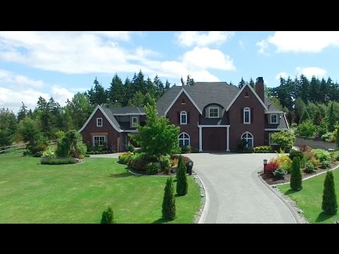 WORLD-CLASS GATED ESTATE RESIDENCE IN THE PRESTIGIOUS CAMPBELL VALLEY
