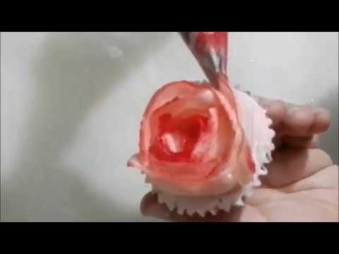 How to pipe two tone buttercream rose on cupcake