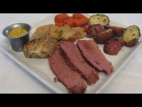 Corned Beef and Cabbage -- Lynn's Recipes Slow Cooker -- Saint Patrick's Day