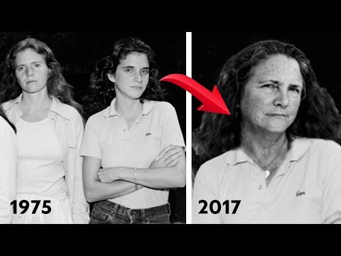 Four Sisters Take the Same Photo for Over Forty Years...