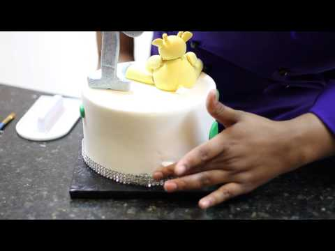 How to Smooth Small Cracks in Fondant : Fondant Ideas