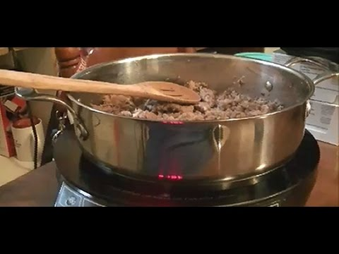 Sausage Gravy - Basic Recipe for Making Homemade Sausage Gravy from Scratch