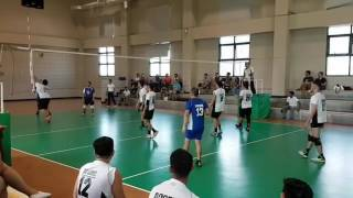 Cameraman Gets Hit by Volleyball