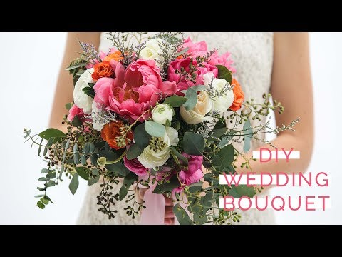 How to Make Your Own Classic and Romantic Wedding Bouquet