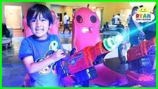 Ryan plays fun arcades Games at Main Event!!!