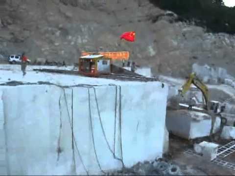 Quarry equipment: Fantini machine for cutting marble
