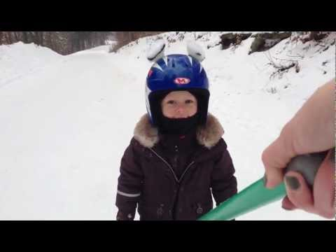 How to teach 3 years old kid skiing