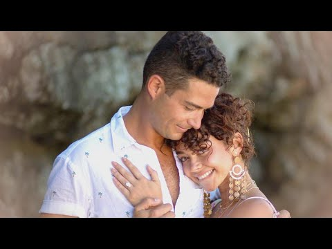Xxx Mp4 Sarah Hyland Engaged To Wells Adams See The MASSIVE Ring 3gp Sex