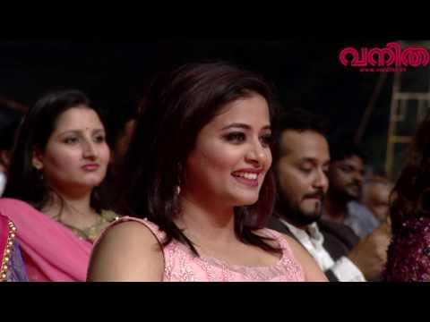 Xxx Mp4 പുലിമുരുകൻ സ്കിറ്റുമായി സുരാജ് ചിരിപ്പിച്ചു കൊല്ലും Vanitha Film Awards 2017 Part 05 3gp Sex