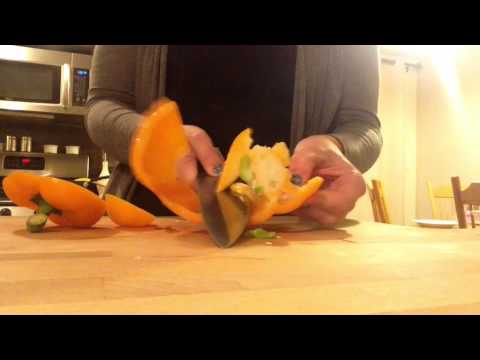How to video - cutting bell peppers