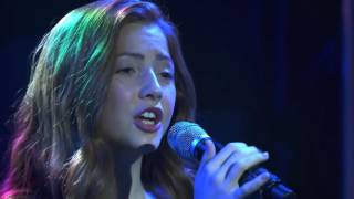 """Lexi Walker - """"A Dream Is A Wish Your Heart Makes"""" + Interview (Live At Wonderama 2017)"""