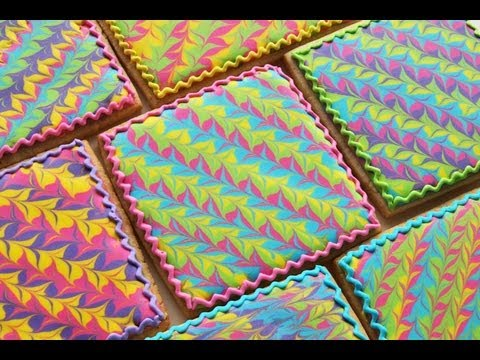 How To Make A Marbled Royal Icing Design on a Cookie