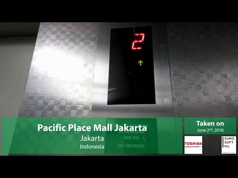 STUCK! Toshiba Traction Freight Lift/Elevator at Pacific Place Mall Jakarta (Lift 15)