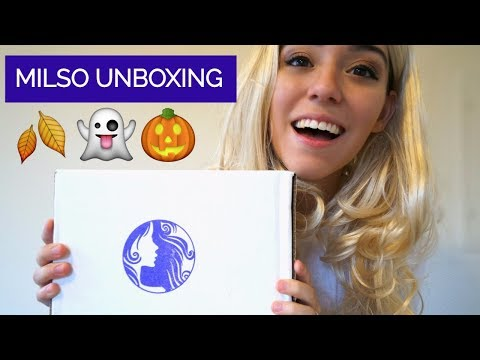 MILSO UNBOXING IN MY HALLOWEEN COSTUME