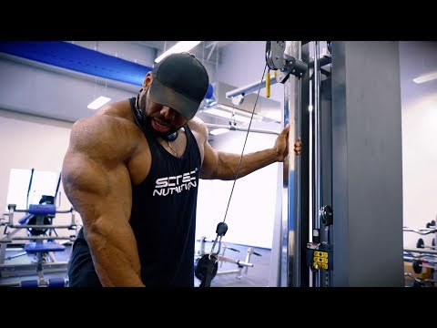 Cedric McMillan Shows You How To Build Thick & Defined Triceps
