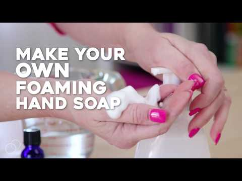 How to Make a Natural Foaming Hand Soap That Won't Dry Out Your Skin