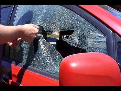 Car Window Breaker & Seat Belt Cutter Demo