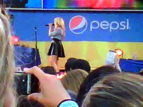 Demi Lovato singing Unbroken Good Morning America July 6, 2012 LIVE