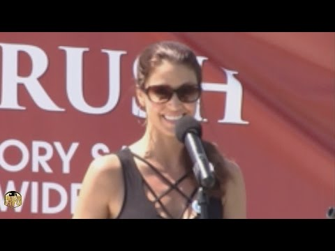 Shannon Elizabeth comes to LSP for World Elephant Day